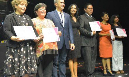 Celebra Ciudad de México Día de la Maestra y el Maestro