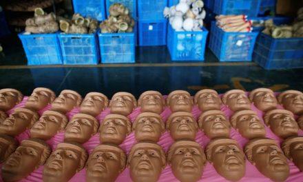 Las máscaras para Halloween dan como favorito a Donald Trump