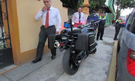 Escoltas agreden a un automovilista en Toluca