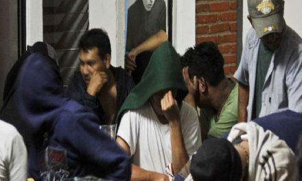 Rescatan a 60 migrantes en Oaxaca