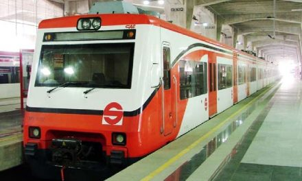 Suben precio del tren suburbano