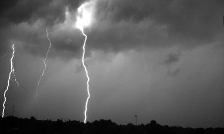 Captan impresionante tormenta eléctrica en video de alta velocidad …¡ Imperdible !