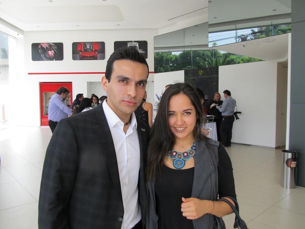 Marco Alegria y Mariana Valtierra – Fernanda Familiar