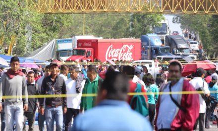 Accesos carreteros en Oaxaca, bloqueados