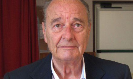 Hospitalizan a Jacques Chirac
