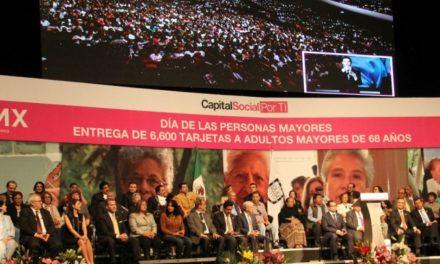 Se entregan más de 6 mil tarjetas de pension alimentaria a adultos mayores