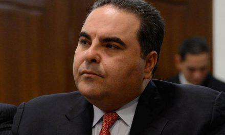 Detenido ex presidente de El Salvador por corrupción