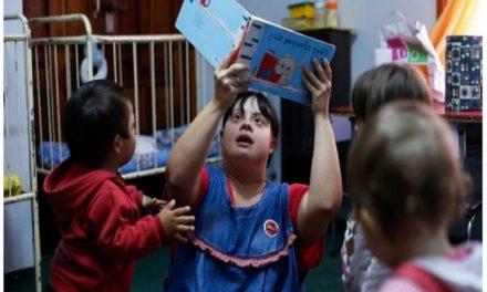 La maestra con síndrome de Down que sensibiliza a Argentina