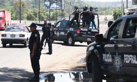 Instalan dos bloqueos en Uruapan, Michoacán
