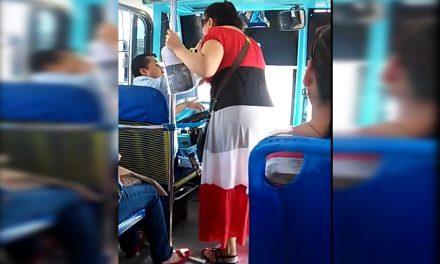 Surge #LadyBajan ¡Se molesta porque no la bajan en donde no era parada!