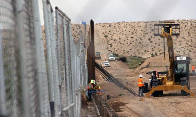 Trump asegura que muro será menos costoso