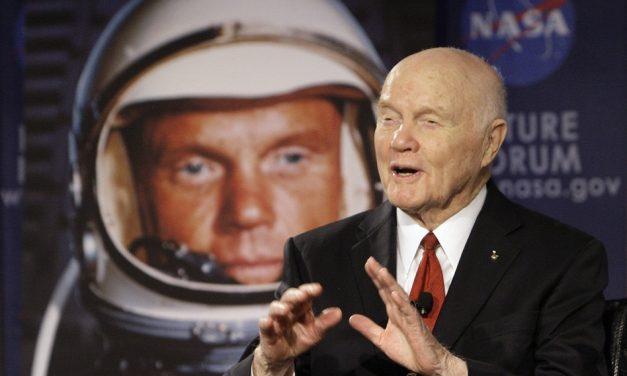 Fallece astronauta John Glenn a los 95 años