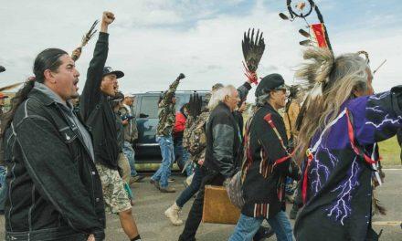 Indígenas de Dakota del Norte frenan oleoducto