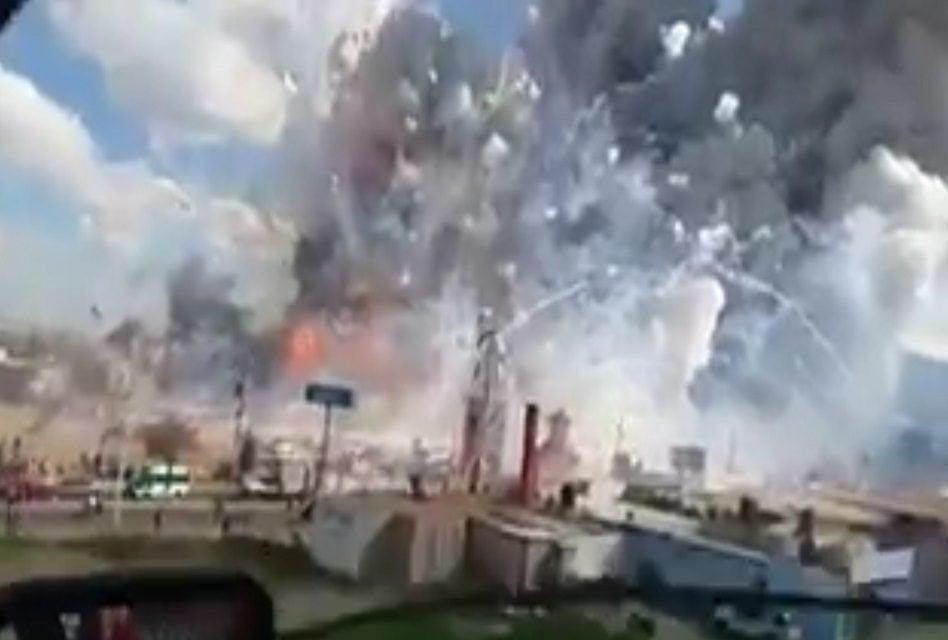 Incendio en mercado de cohetes de Tultepec, al menos 10 muertos (video)