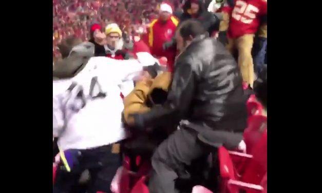 VIDEO   Brutal golpiza entre fanáticos del futbol americano