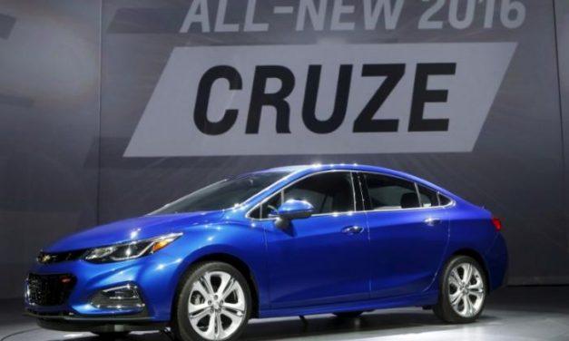 Trump amenaza con impuestos a GM por autos hechos en México