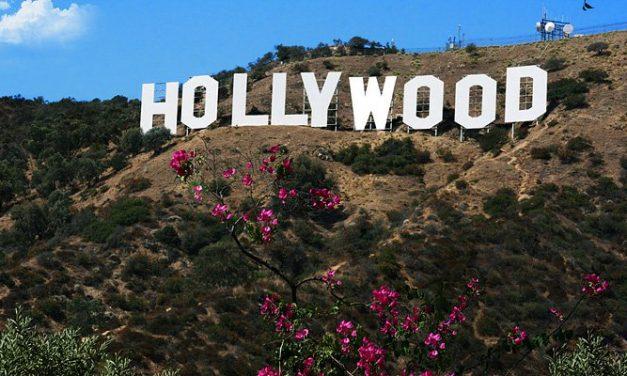 """FOTO – Vándalos alteran el icónico letrero de """"Hollywood"""""""