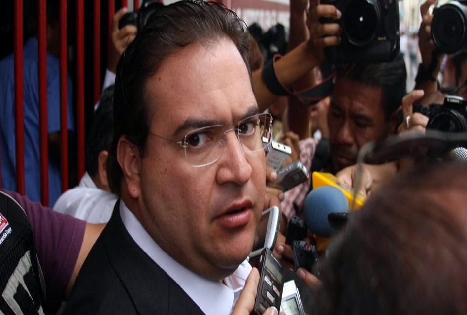 PGR entrega a Veracruz 172 mdp desviados por Duarte