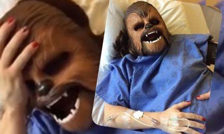 ¡Que risa! A mujer se le ocurre usar máscara de Chewbacca en medio del parto