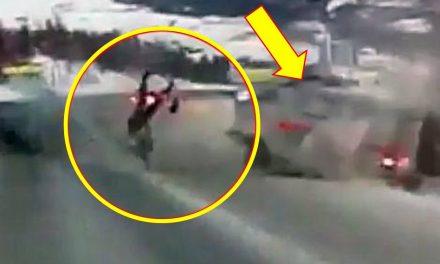 Choca ambulancia que transportaba a mujer embarazada ¡Ella salió volando y sobrevive!