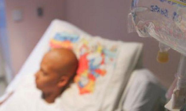 En Veracruz, ponían quimioterapia falsa a niños con cáncer ¡Era agua destilada!