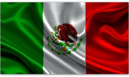 """La bandera de México tiene un """"error"""" que nadie se había visto ¡Por más de 100 años!"""
