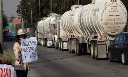 Bloquean terminales de Pemex en Tamaulipas, Estado de México y Nuevo León