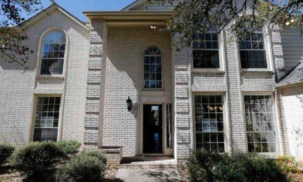 Subastan casa de suegra de Humberto Moreira en Texas