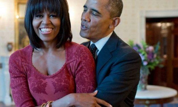 Los tuits que se mandaron Obama y su esposa el 14 de Febrero ¡Ajá pillines!