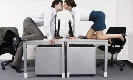Proponen dar una hora en el horario laboral… ¡Para poder tener sexo!