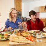 Algunos sabios y viejos consejos para mejorar la relación con nuestro hijo adolescente
