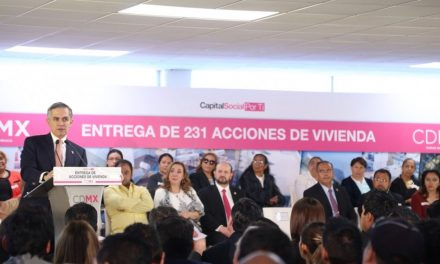 Cumple CDMX con el derecho a la vivienda estipulado en la primera Constitución local; entrega 231 viviendas