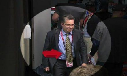 Video muestra a Mauricio Ortega Camberos cuando roba jersey de Brady