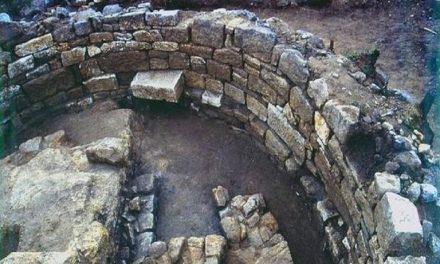 Hallan tumba de Aristóteles