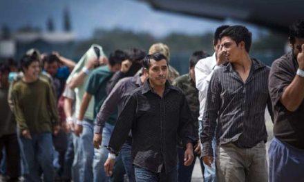 Cárcel para deportados reincidentes y traficantes de migrantes