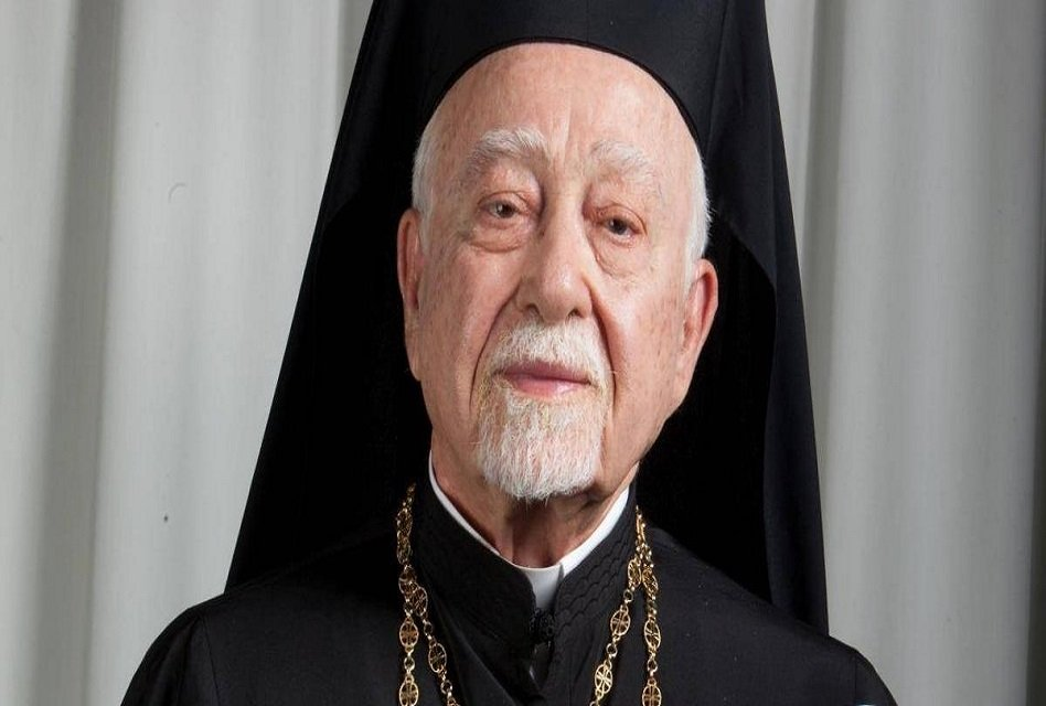 Realiza EPN guardia de honor en funeral del arzobispo Chedraoui