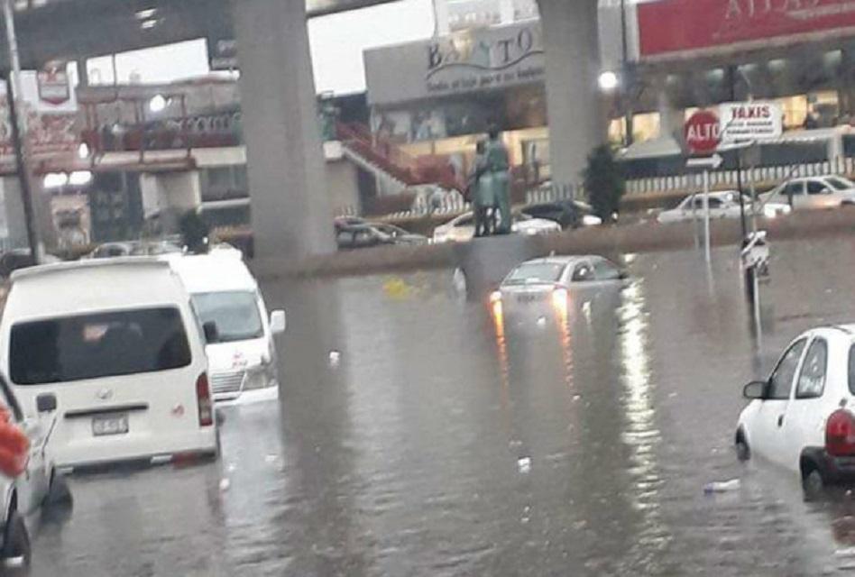 LLuvias provocan inundación en Paradero de Indios Verdes