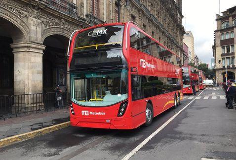 Presentan autobuses para la Línea 7 del Metrobús