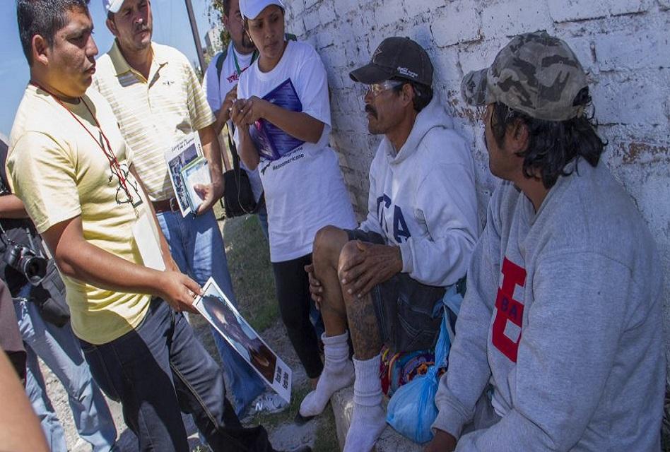 Rescata en Houston a migrantes encerrados en camión