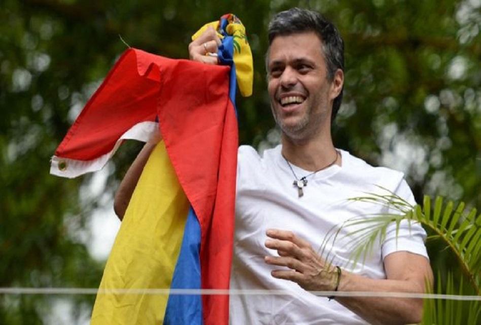 Venezuela: el opositor Leopoldo López salió de la cárcel, bajo arresto domiciliario