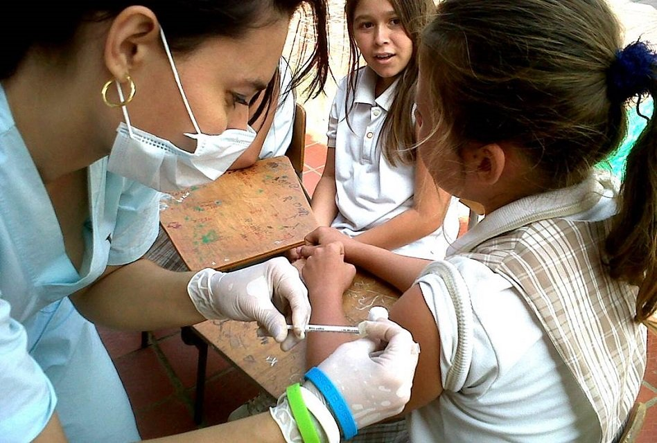 Vacuna contra el Papiloma Humano no es obligatoria: Corte Constitucional