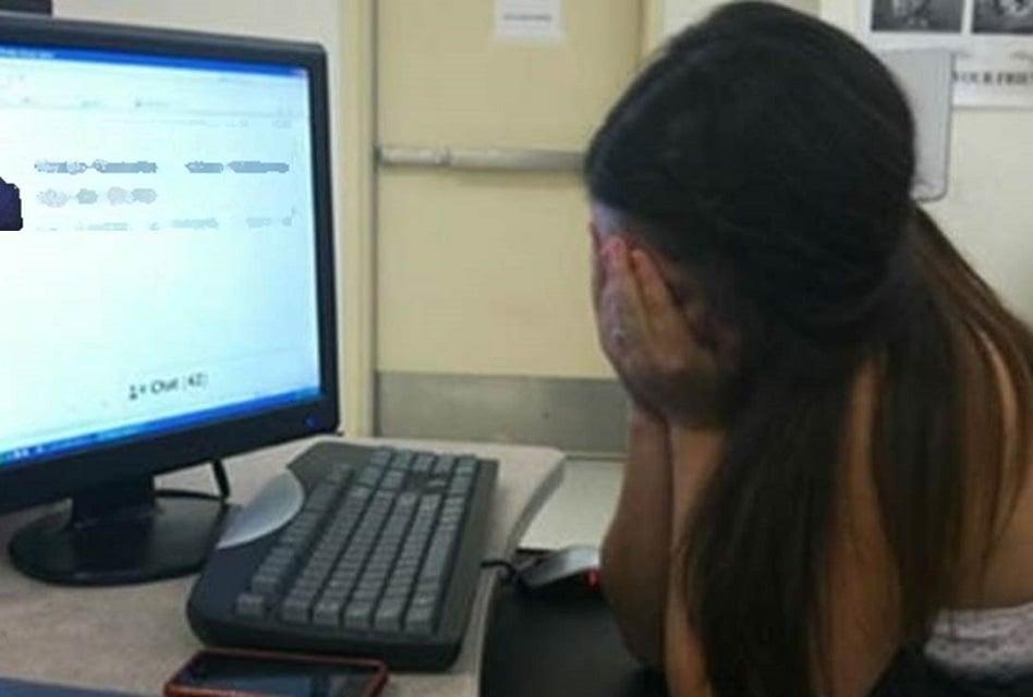 Aceptó solicitud de mujer en Facebook y su novia se suicidó