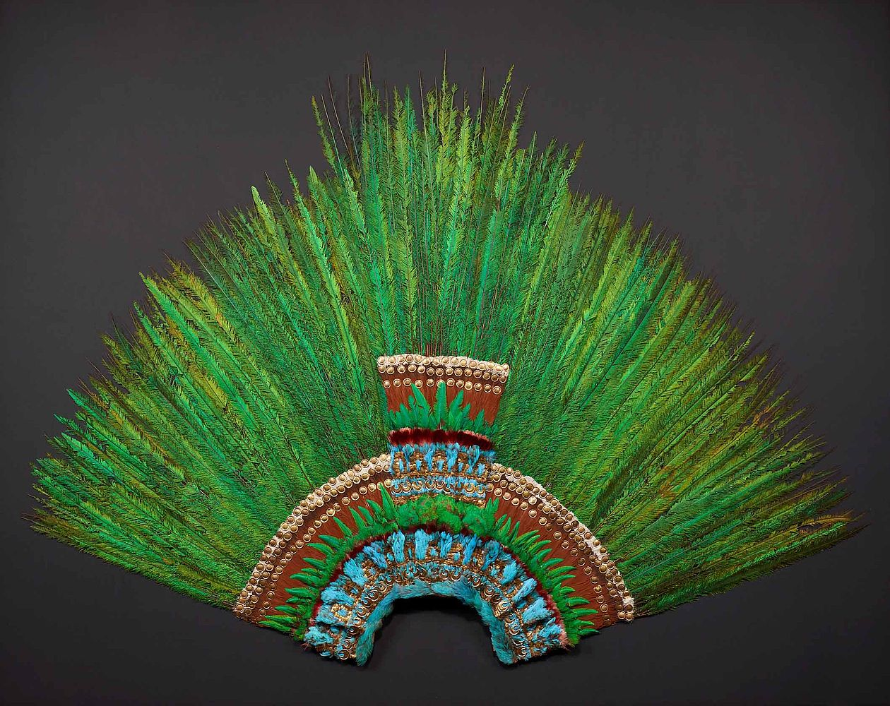 Reaparece el Penacho de Moctezuma en Viena