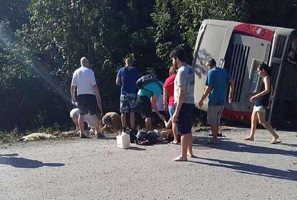 Fatídico accidente de un bus deja varios muertos — México