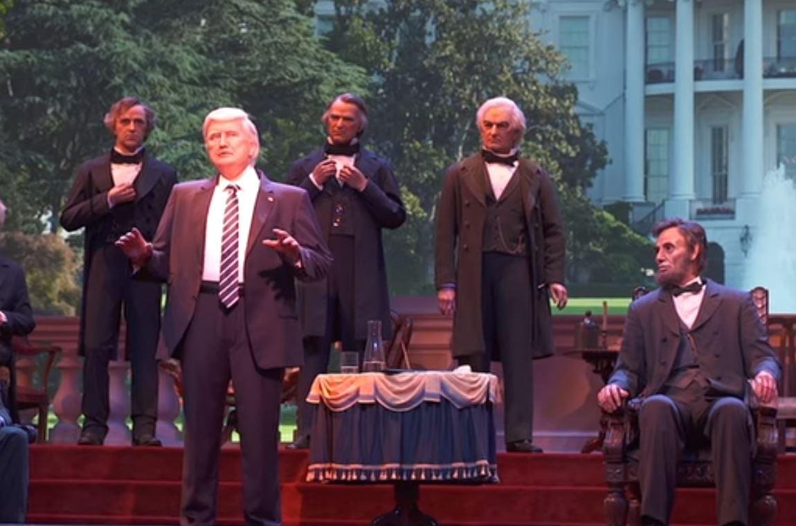 Trump llega al Salón de los Presidentes de Disney