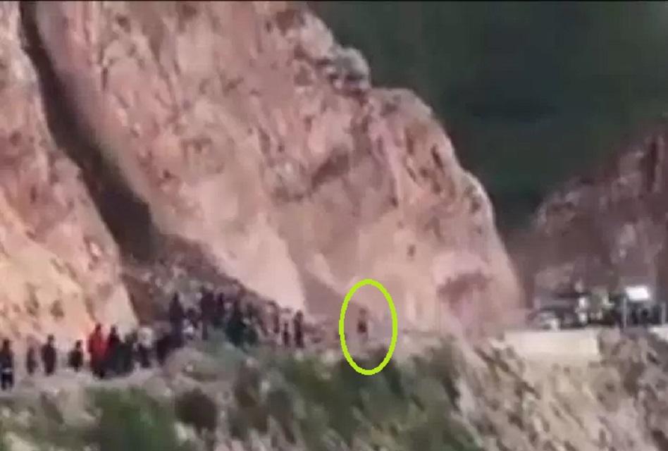 Deslizamiento sepulta a una mujer en vía a Paucartambo — Cusco