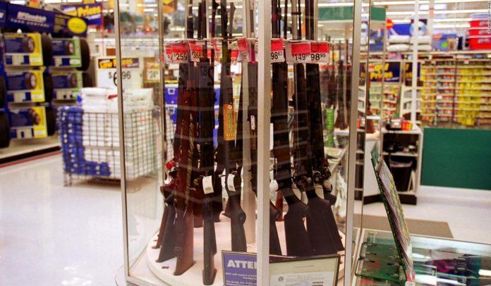 Walmart dejará de vender municiones de armas cortas tras tiroteo en uno de sus establecimientos