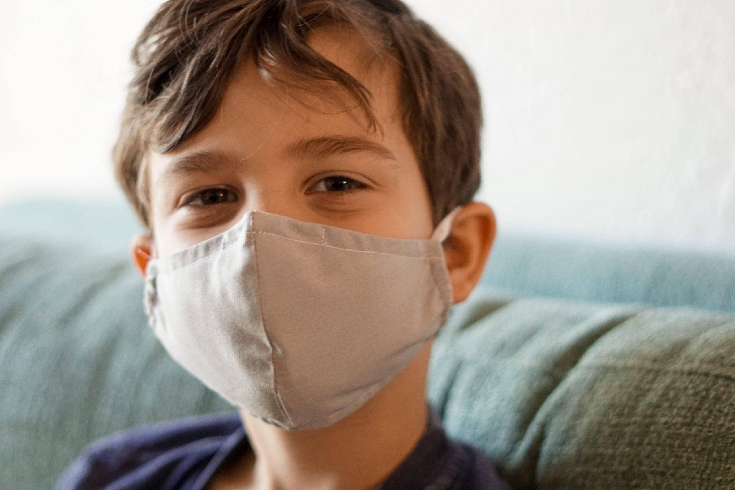 Advierten de posible 'doble pandemia' de COVID-19 y gripe